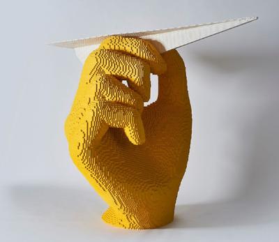 Brick Art, la mostra di Riccardo Zangelmi è youngER!